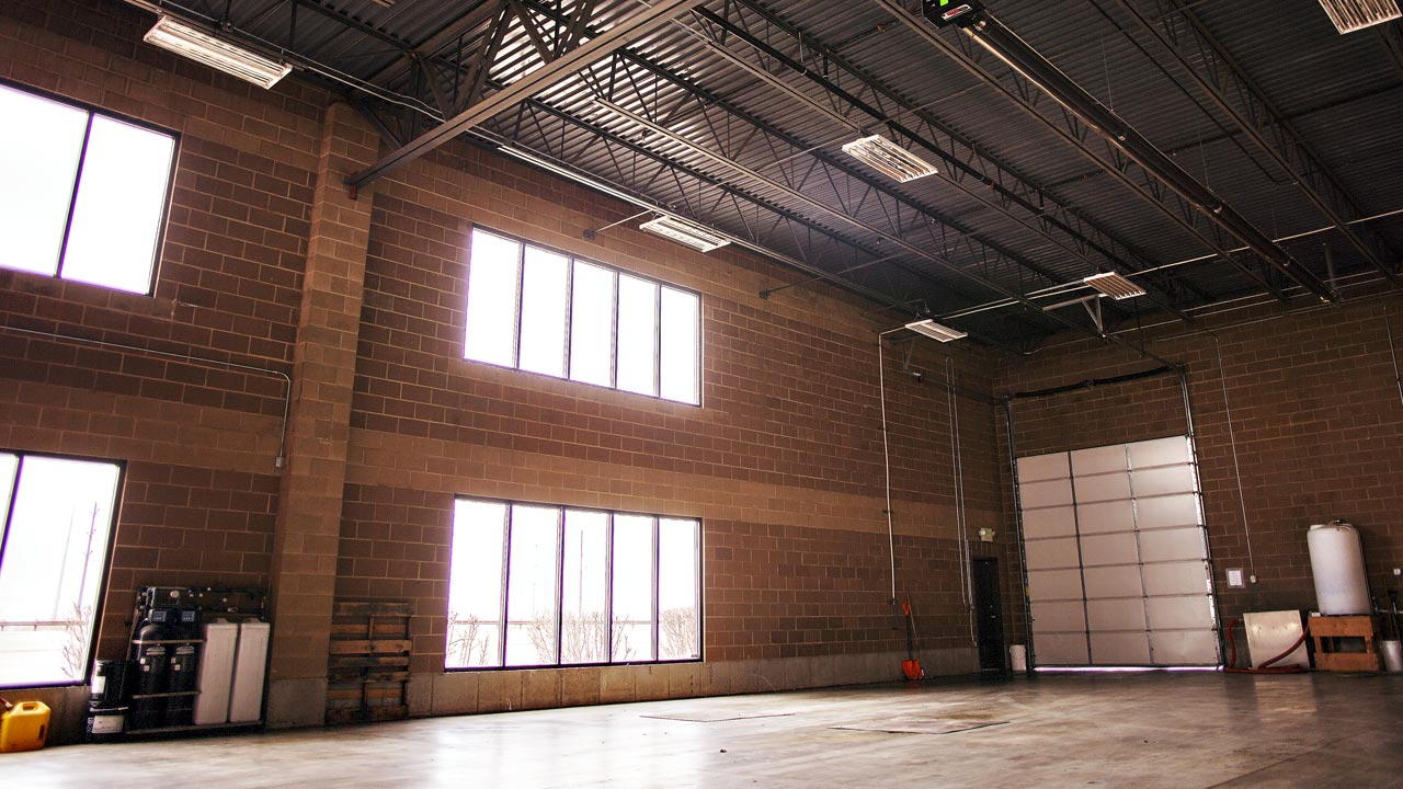 sp_mission_slide_warehouse_1280x720