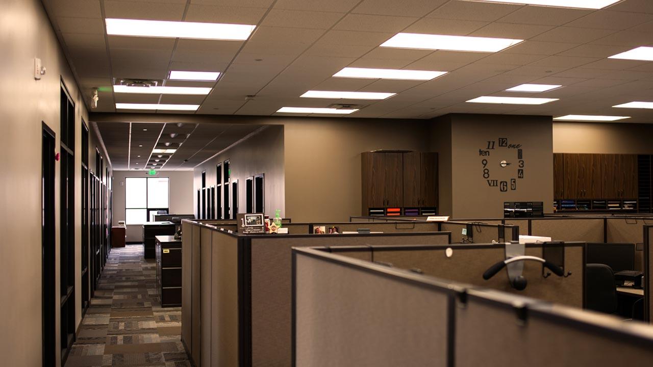 sp_acwest2_slide_office_1280x720