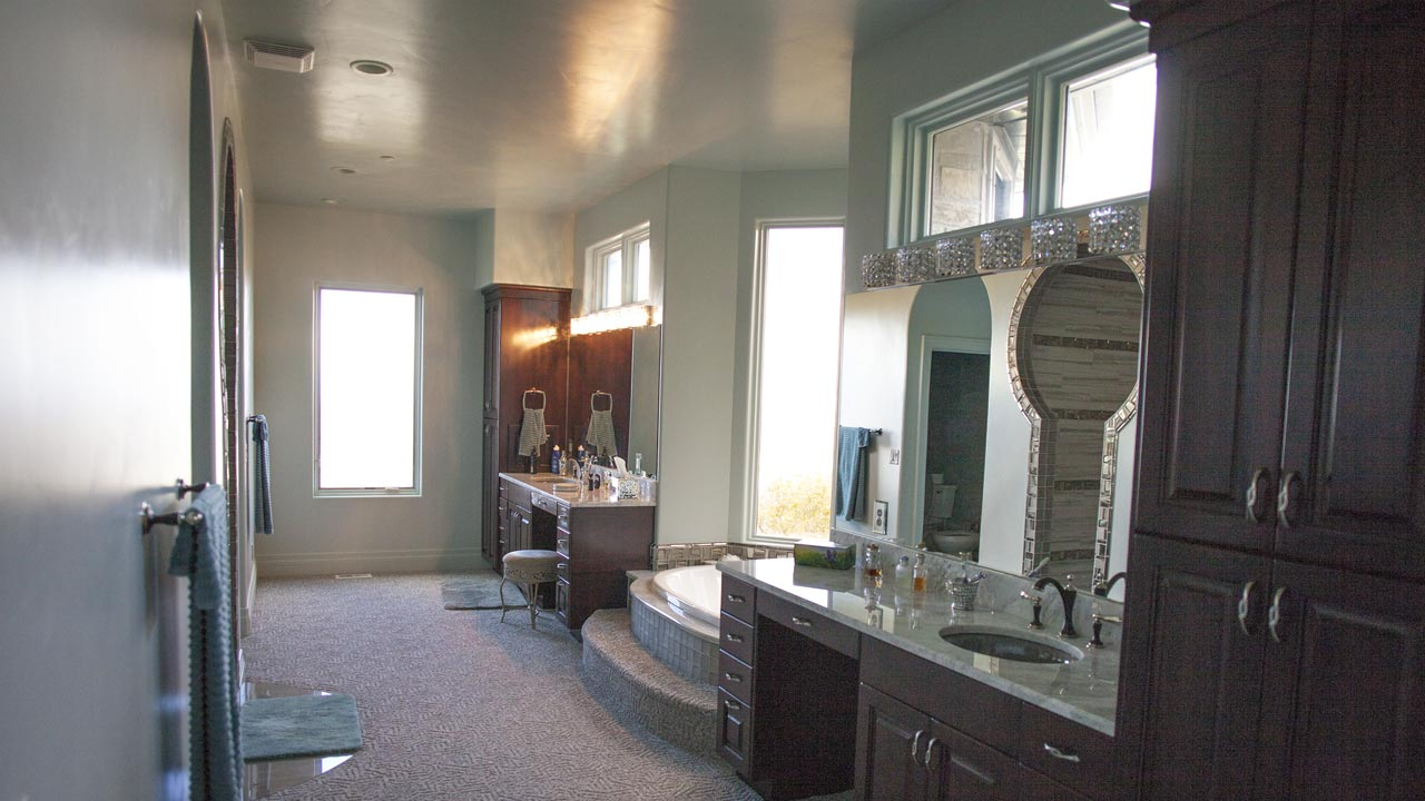 sp_laytonresidence_slide_bathroom_1280x720