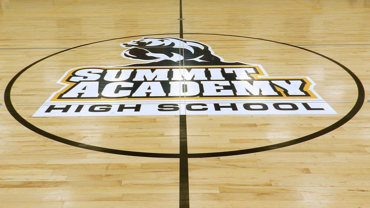 sp_summithigh_slide_court1_1280x720