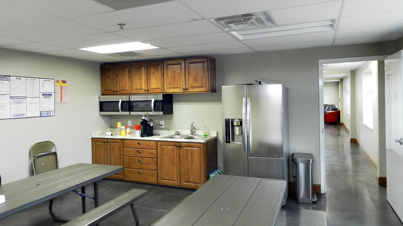 sp_higgins_slide_kitchen_1280x720
